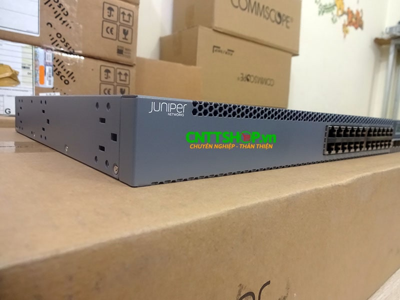 EX3300-24T Switch Juniper 24 Port 10/100/1000BaseT with 4 SFP+ | Image 3